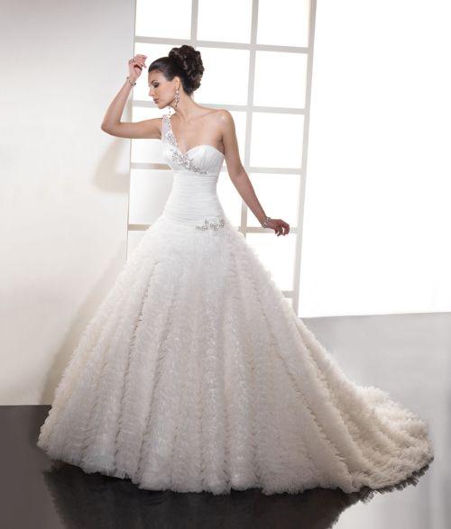 Noleggio Abito Da Sposo Milano ~ Noleggio vestiti da sposa milano su abiti 5d77d992c1b