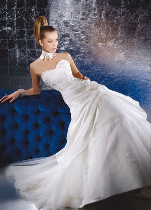 detailed look d972b 351b3 Outlet abiti da sposa - Divisione cerimonia
